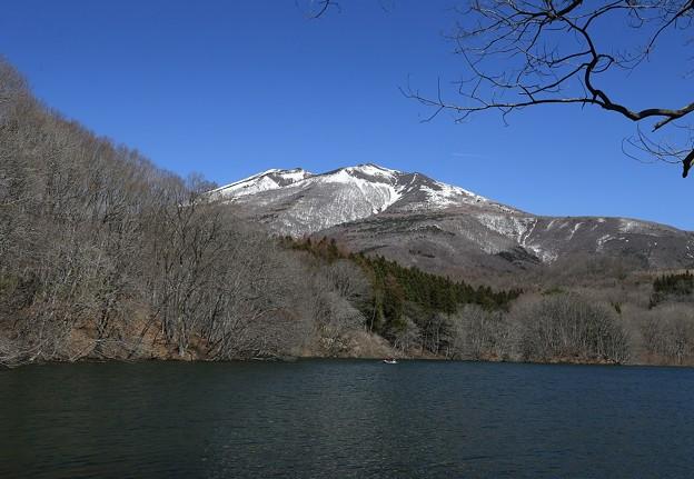 写真: 南蔵王高原の長老湖