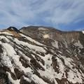 写真: 荒々しい蔵王五色岳