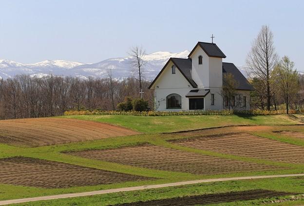 写真: 高原の教会