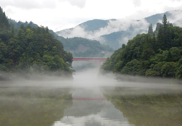 写真: 濃霧の只見川