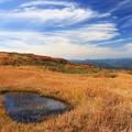 写真: 秋雲流れる高原