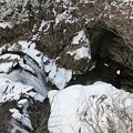 写真: 真冬の釜淵滝