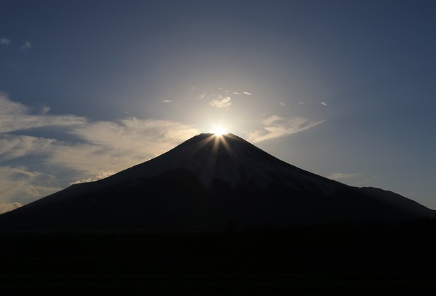 写真: ダイヤモンド富士