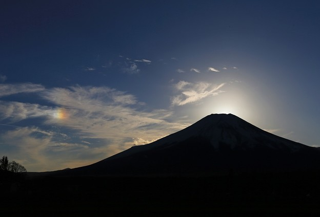 彩雲出現の富士山