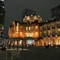 写真: 東京駅の静けさ