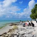 写真: 竹富島の星砂浜