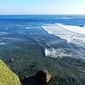 写真: 宮古島に打寄せる波
