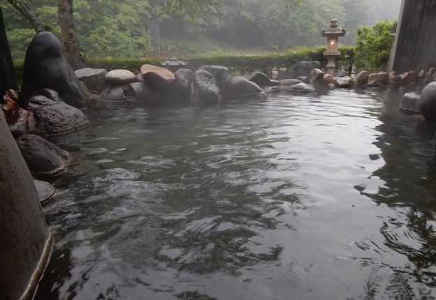 Photos: 露天風呂のランプ