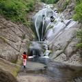 深山の桃洞滝