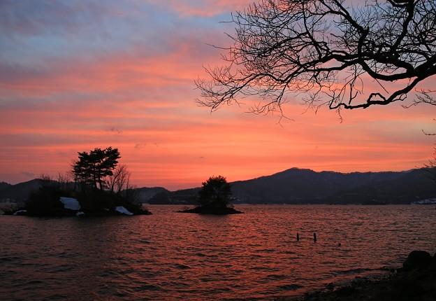 Photos: 夕焼けの桧原湖