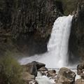 轟く苗名の滝