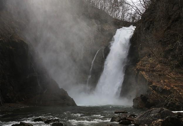 大迫力の秋保大滝