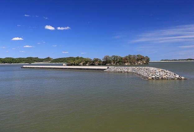 Photos: 名籠漁港の防潮堤