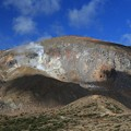 Photos: 噴煙上がる一切経山