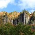 Photos: 屏風のような大岩壁