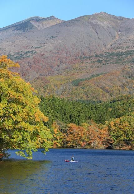 不忘岳と長老湖
