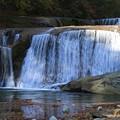 秋深まる滑津大滝