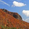 壮美な岩山