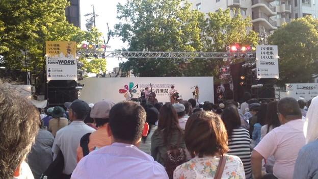 写真: 栄ミナミ音楽祭。バンバンバ...