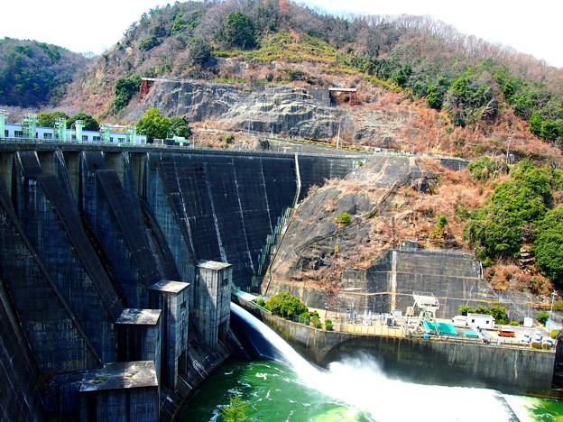 高山ダム放流