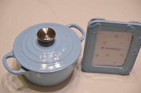 ル・クルーゼベビーのお鍋と写真立て
