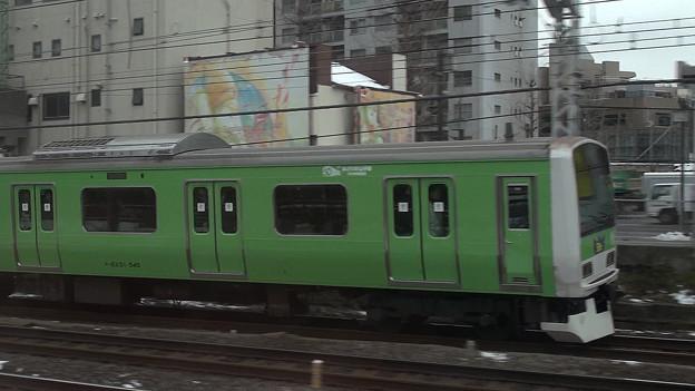 写真: 緑の山手線