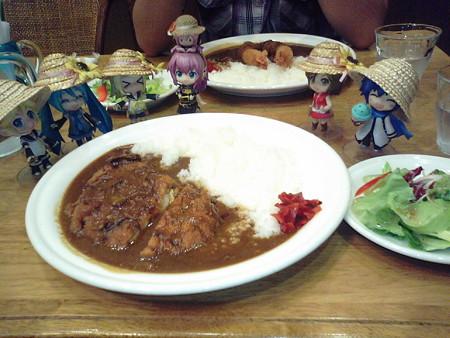 アピタ伊那店内の喫茶店「ぱいぷのけむり」で、チキンかつカレーなう♪