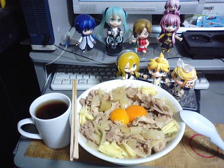 巨大すた丼、出来たぜ!! さあさあ、ガツガツ食うゼ☆ リン:「マ...