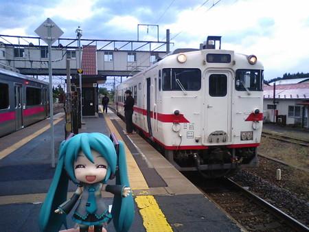 ミク:「蟹田駅で、ディーゼル車に乗り換えます」 ■蟹田   7:07 → ...