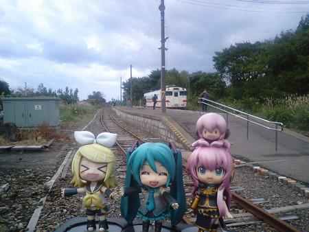 ミク:「三厩駅に着きました!」 リン:「なんと、本州最北端駅ィー...