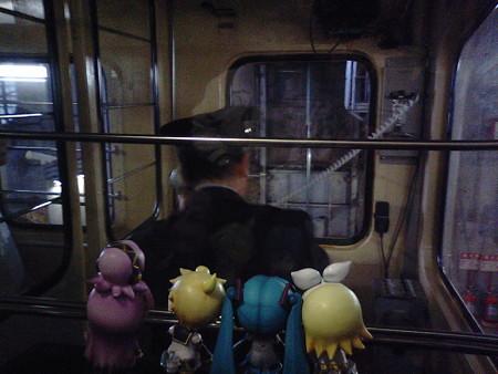 レン:「運転席後ろの特等席だ(≧▽≦)ゞ