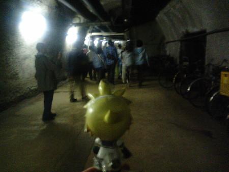 レン:「ここが、海面下140mの地底か…………」