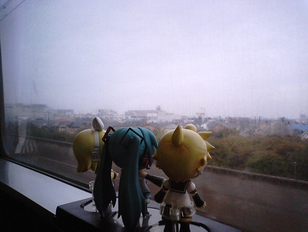 リン:「北朝霞駅を過ぎたら、電車が本気出してきた!」 レン:「そ...