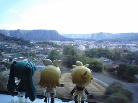 国分→霧島神宮間。これより霧島山地に分け入っていきます。
