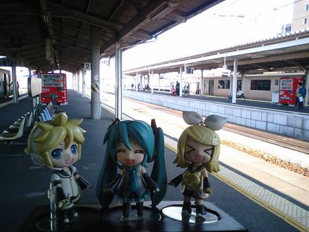 南宮崎駅に到着。ここで延岡行きの電車に乗り換えます。
