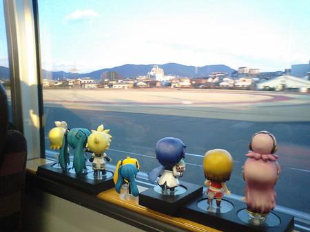 延岡駅を発車。いよいよ、普通列車が1日たった3往復しかないという...