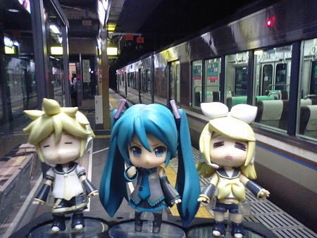 福知山駅に12分遅れてようやく到着しました! リン:「あーあたし...