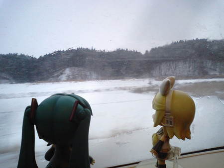 上北町→三沢間。 リン:「やっと明るくなってきたゅ!」