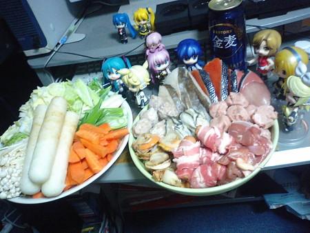 今からおうち鍋やるぞ(≧▽≦)ゞ リン:「ちょ!!ものすごい豪華食材...