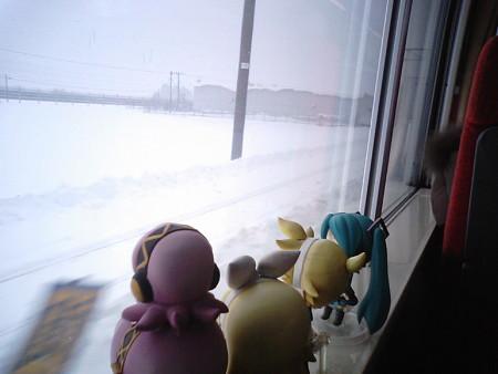 新中小国信号所を通過、JR北海道管内に入りました。 リン:「さぁ...