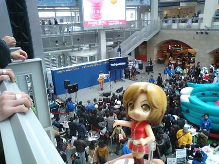めー:「拝郷メイコのミニコンサート! みんな心して聴くのよ!」