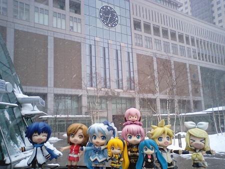 それでは雪の札幌駅より、これから旅立ちます。 雪ミク:「皆様、大...