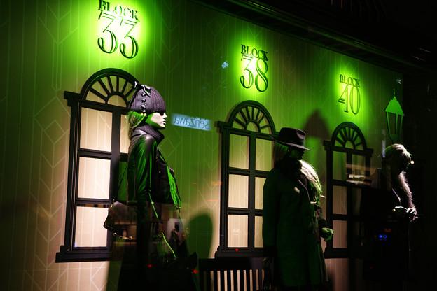 神戸大丸 緑色のショーウィンド_01