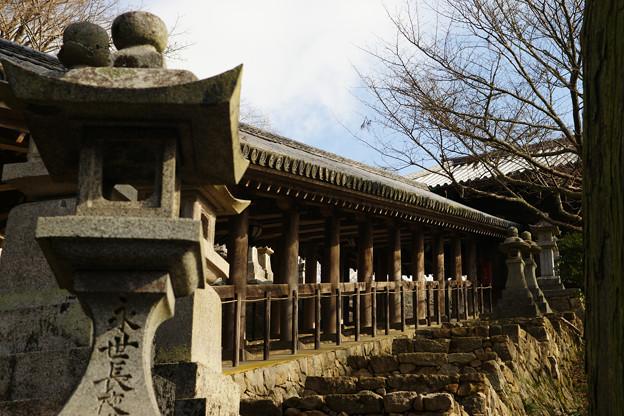 長谷寺 灯篭と登廊