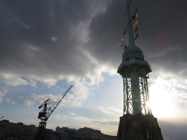 Photos: 旧新港第5突堤信号所_01