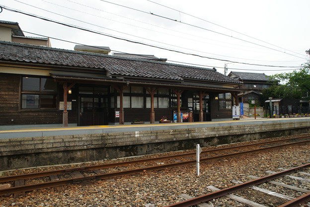 三国港駅 ホーム_02