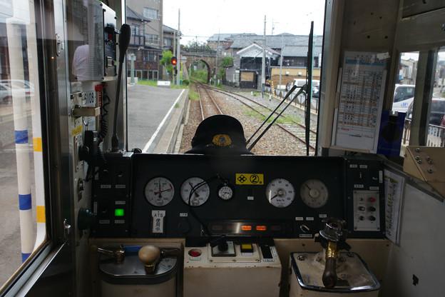 三国港駅 運転席から_01