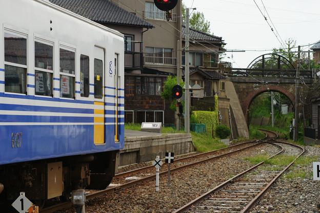 三国港駅 停車する電車_06
