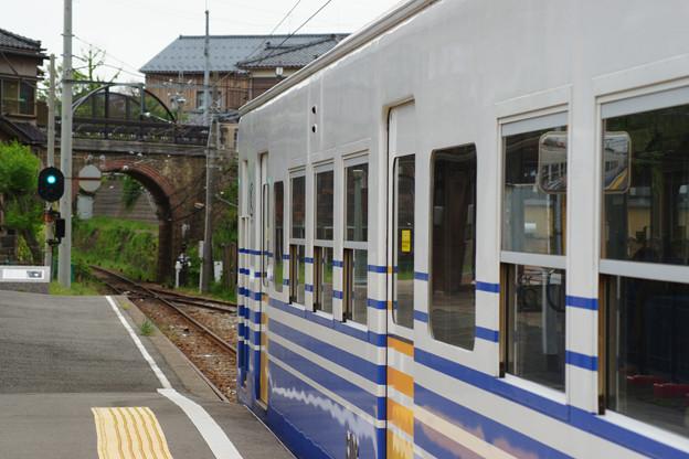 三国港駅 発車する電車_02