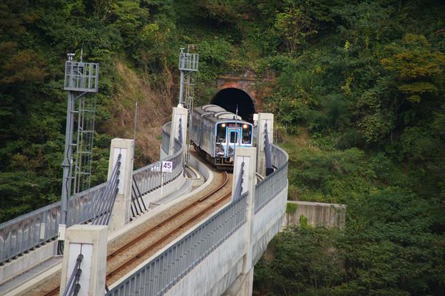 余部橋りょう ラッピング電車_02